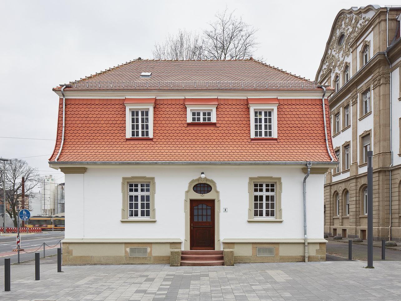 sanierung pförtnerhauskit campus südgebäude 50.25planung:schelling architektensteinstraße 2376133 karlsruhewww.schelling-architekten.de