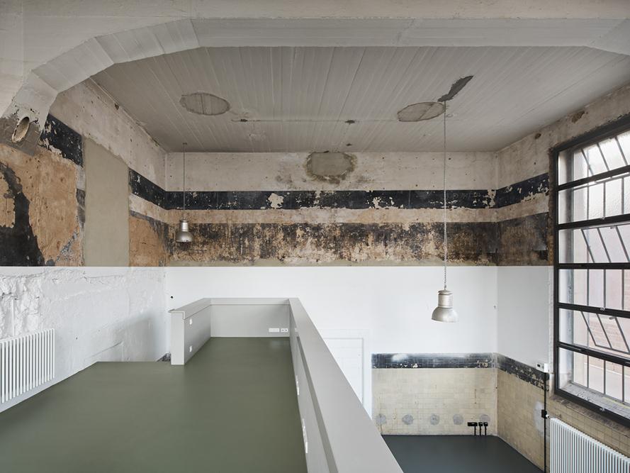 Umbau ehemaliges Pferdeschlachthaus zum AteliergebäudeAlter Schlachthof 2776131 KarlsruhePlanung:zwo/elfAlter Schlachthof 1576131 Karlsruhewww.zwo-elf.de
